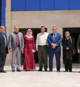 جامعة الإسراء تستقبل وفداً رفيع المستوى من مؤسسة الخليج التعليمية