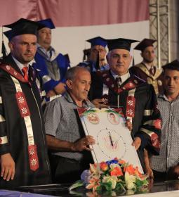 تكريم أهالي الشهداء في حفل تخريج فوج الإسراء الأول